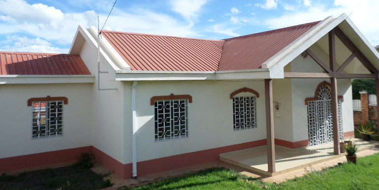 Villa basse ambatobe ml2559 immobilier conseil madagascar for villa basse avec plan