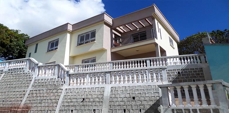 Villa à étage 458m², Andoharanofotsy, M240517