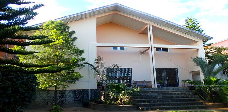 villa basse T4 220 m², Talatamaty, M070817 2