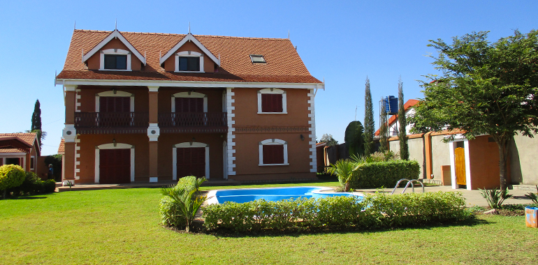 Villa à étage avec piscine T5 220m², Antanandrano, ML3333