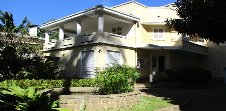 Villa à étage T7 330m², Centre ville, ML3403