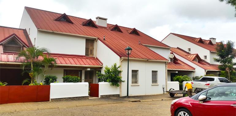 Villa à étage T4 250m², Ambatobe, ML3351