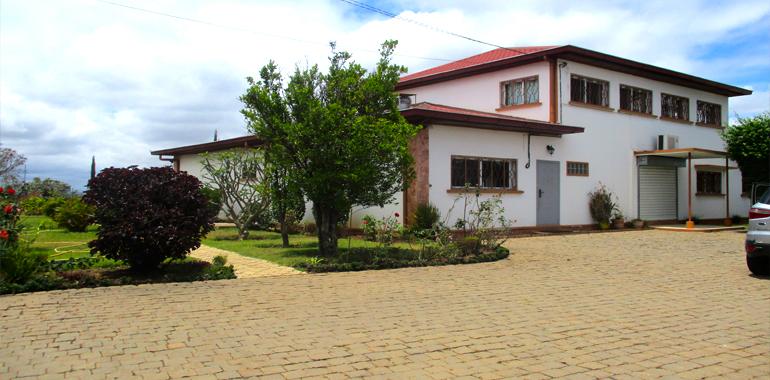 Villa à étage T5 300m², Ambohibao, ML3429