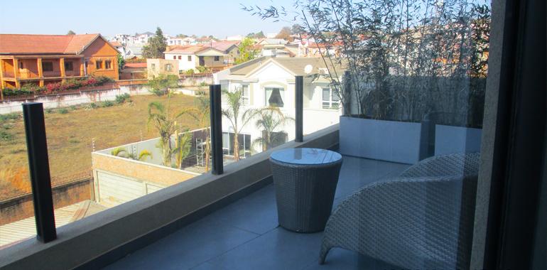 Appartement meublé, neuf T5 315m², Ivandry, LA3399