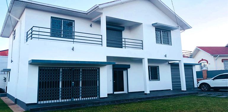 Villa à étage T6 300m², Ambatobe, M170718