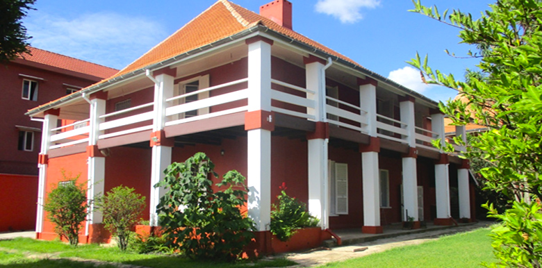 Villa à étage T5 220m², Faravohitra, ML3529