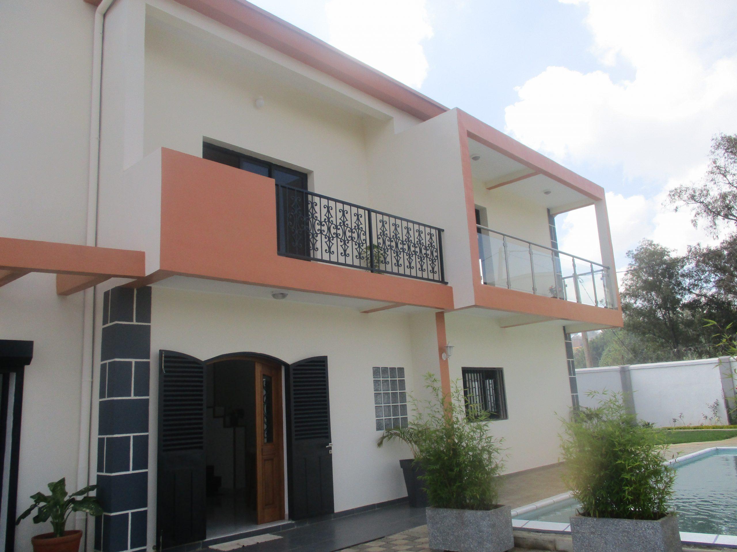 Villa à étage, Ilafy, réf ML 3730